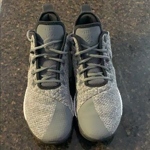 Nike Lebrun Witness lll basketball shoes size 10